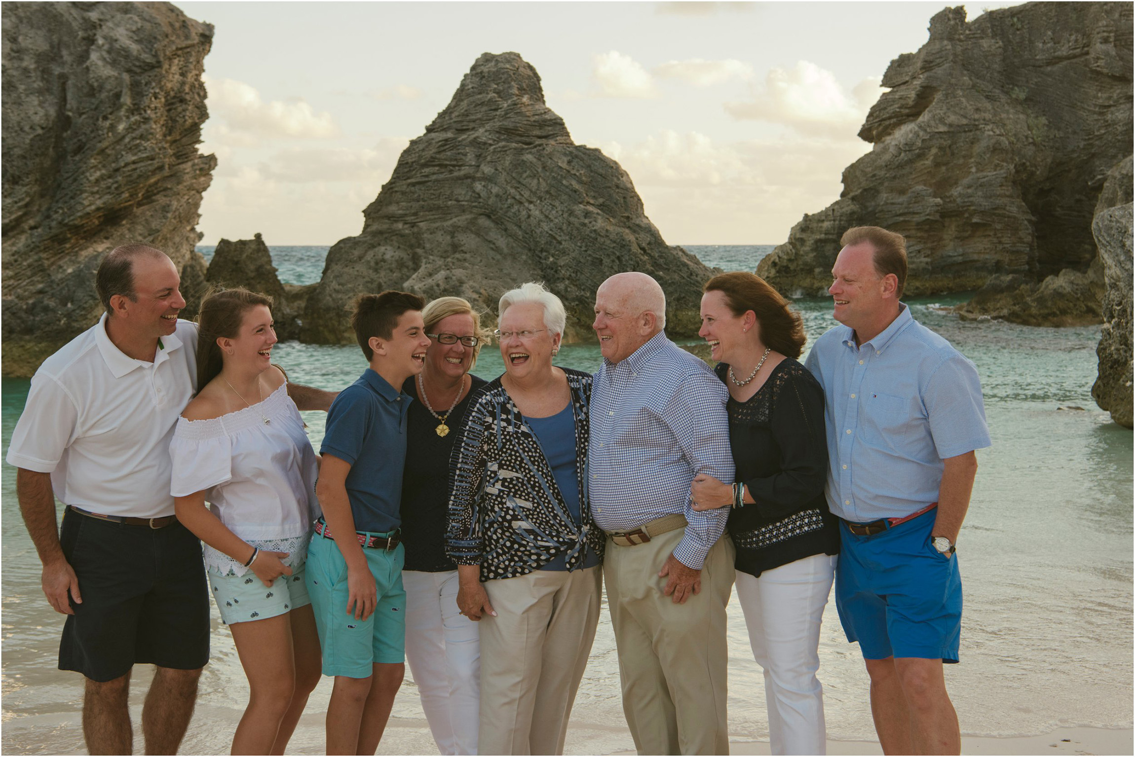 Fiander Foto_Bermuda Photographer_Horseshoe Bay Beach__Alicia's Family_004.jpg
