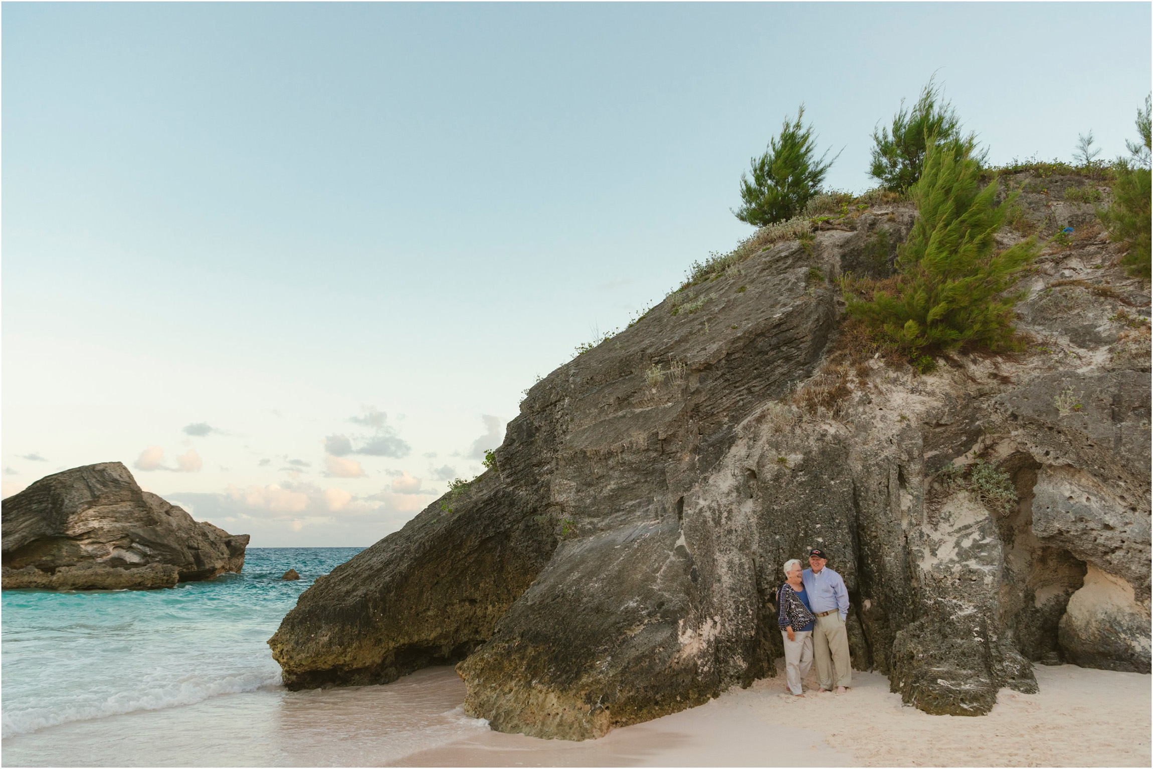Fiander Foto_Bermuda Photographer_Horseshoe Bay Beach__Alicia's Family_015.jpg