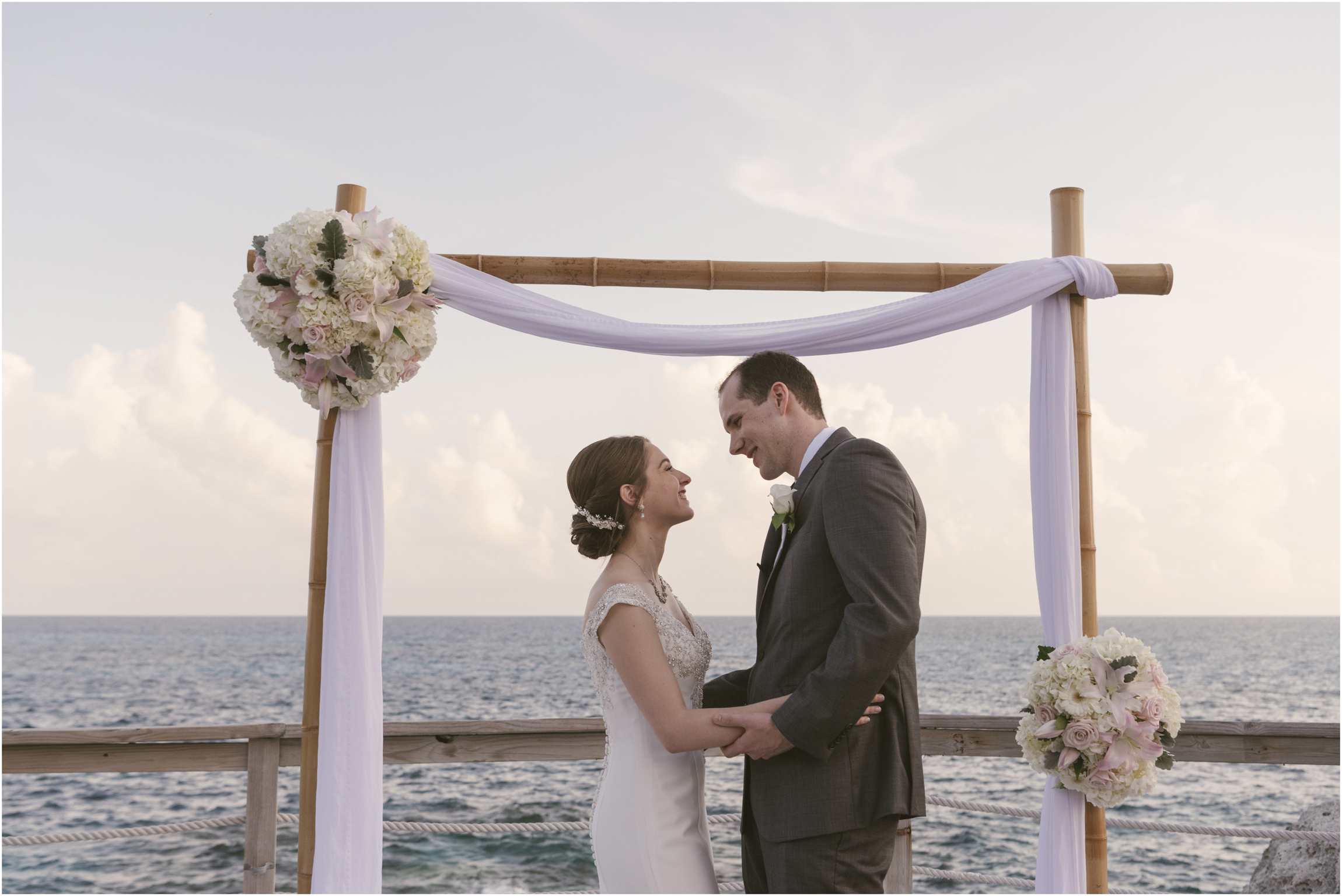 ©FianderFoto_Caribbean_Wedding_Photographer_The Reefs_Bermuda_Lauren_Erik_071.jpg