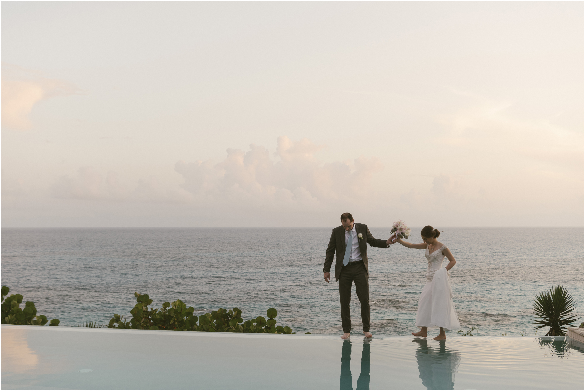 ©FianderFoto_Caribbean_Wedding_Photographer_The Reefs_Bermuda_Lauren_Erik_085.jpg