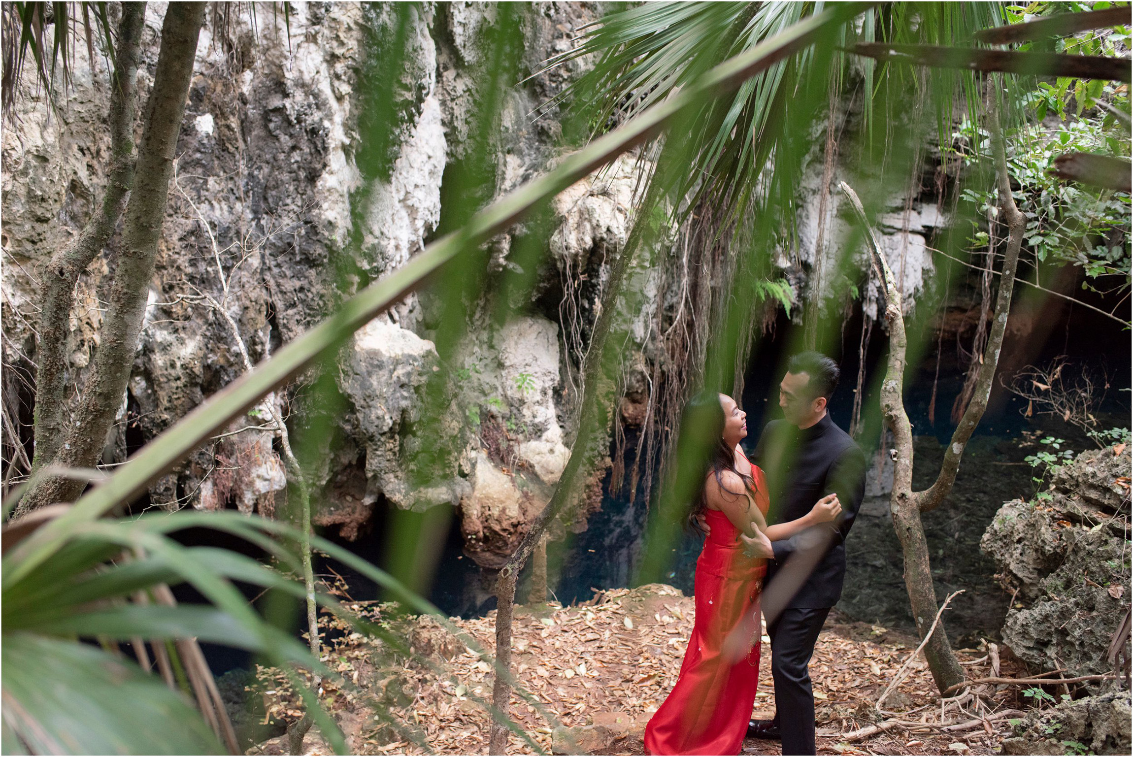 ©FianderFoto_Bermuda Engagement Photographer_Tom Moores Jungle_Owen_Chanson_009.jpg