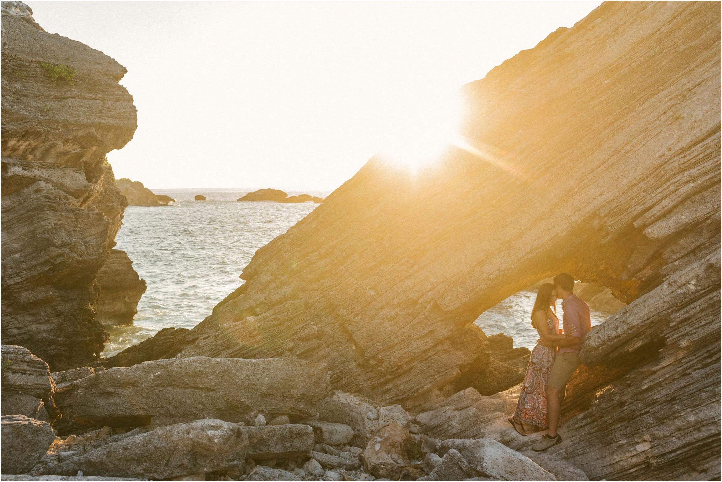 ©FianderFoto_Bermuda Engagement Photographer_Coopers Island_003.jpg