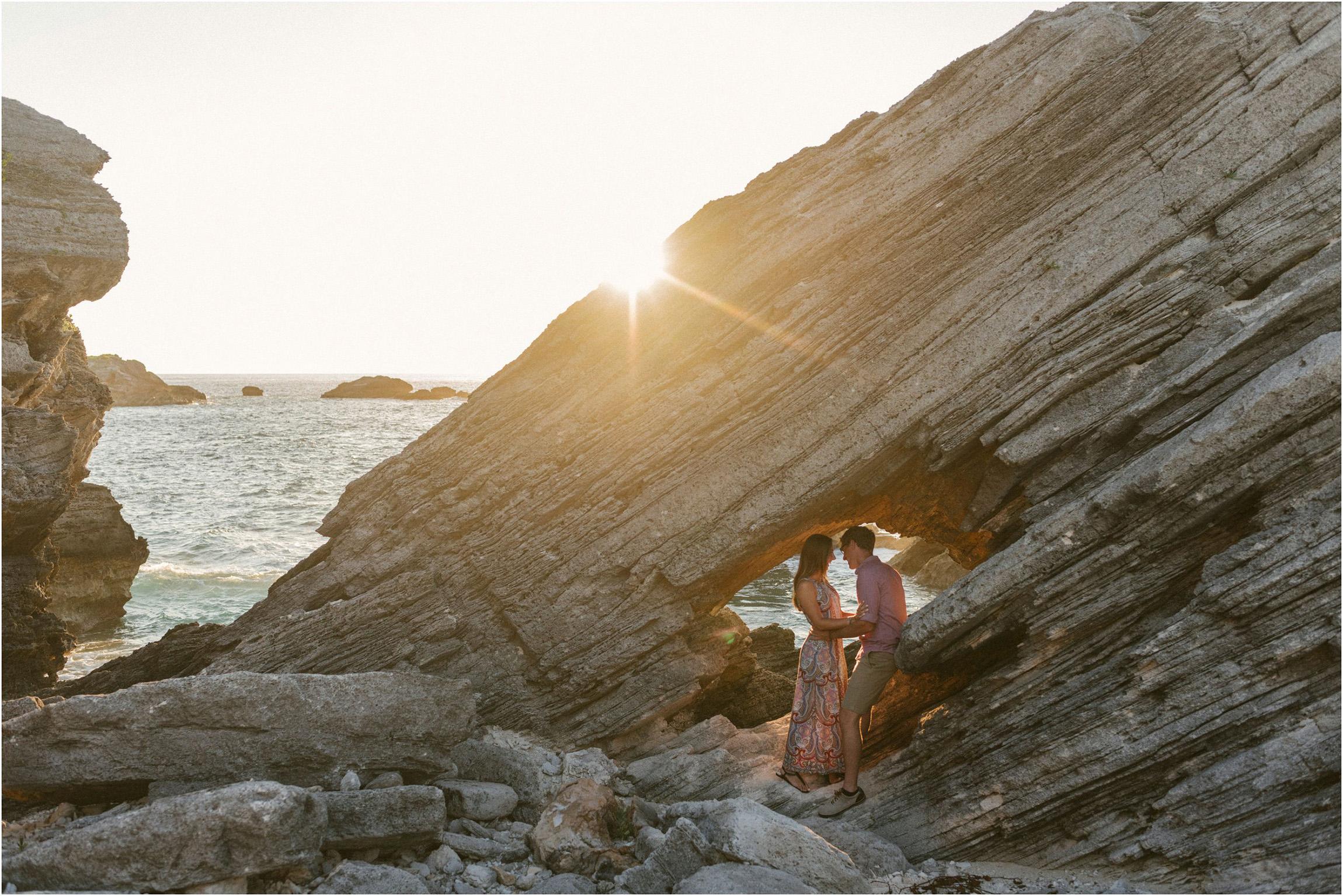 ©FianderFoto_Bermuda Engagement Photographer_Coopers Island_002.jpg