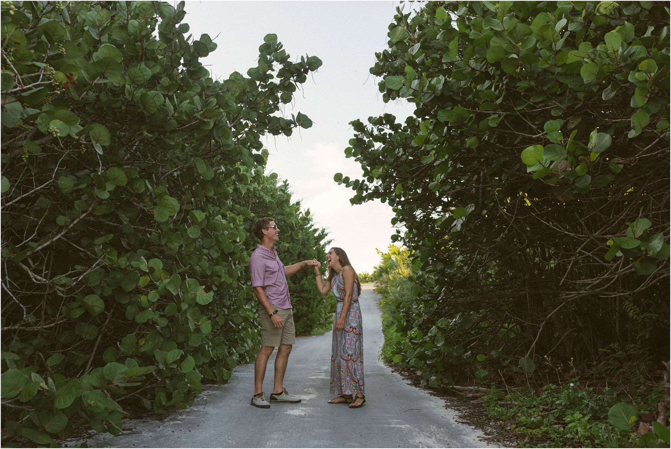 ©FianderFoto_Bermuda Engagement Photographer_Coopers Island_006.jpg