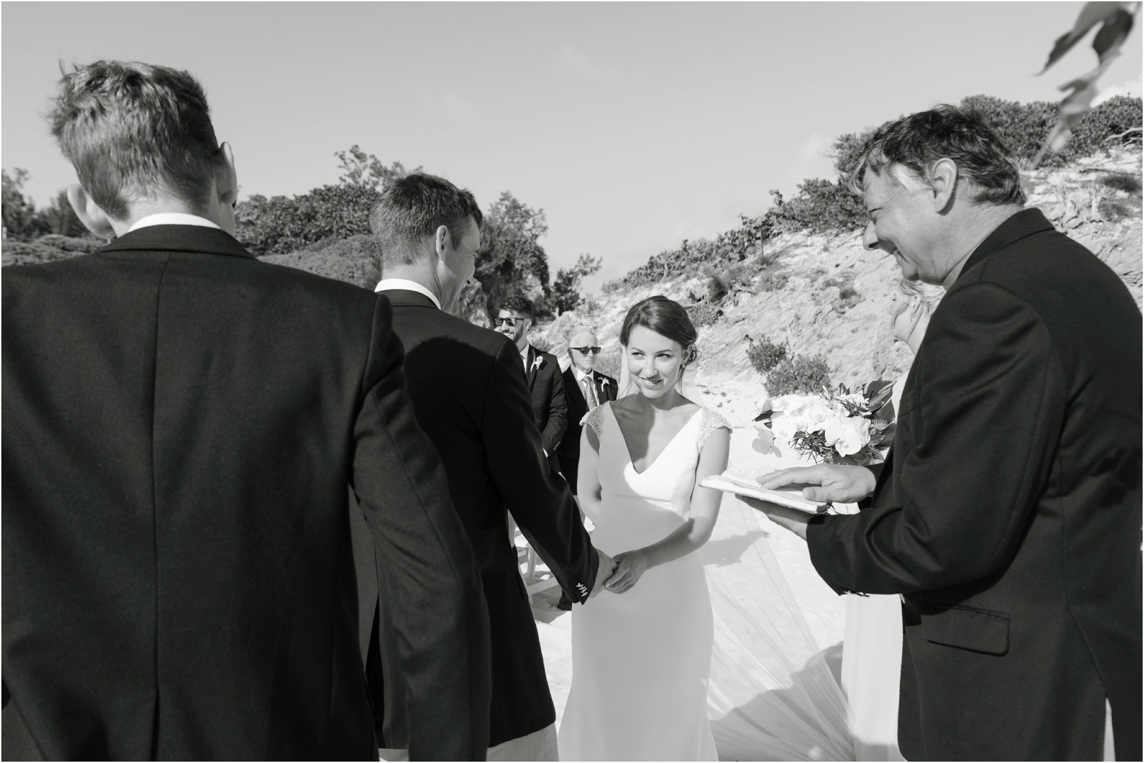 ©FianderFoto_Bermuda Wedding Photographer_Mid Ocean_Rachel_Angus_033.jpg