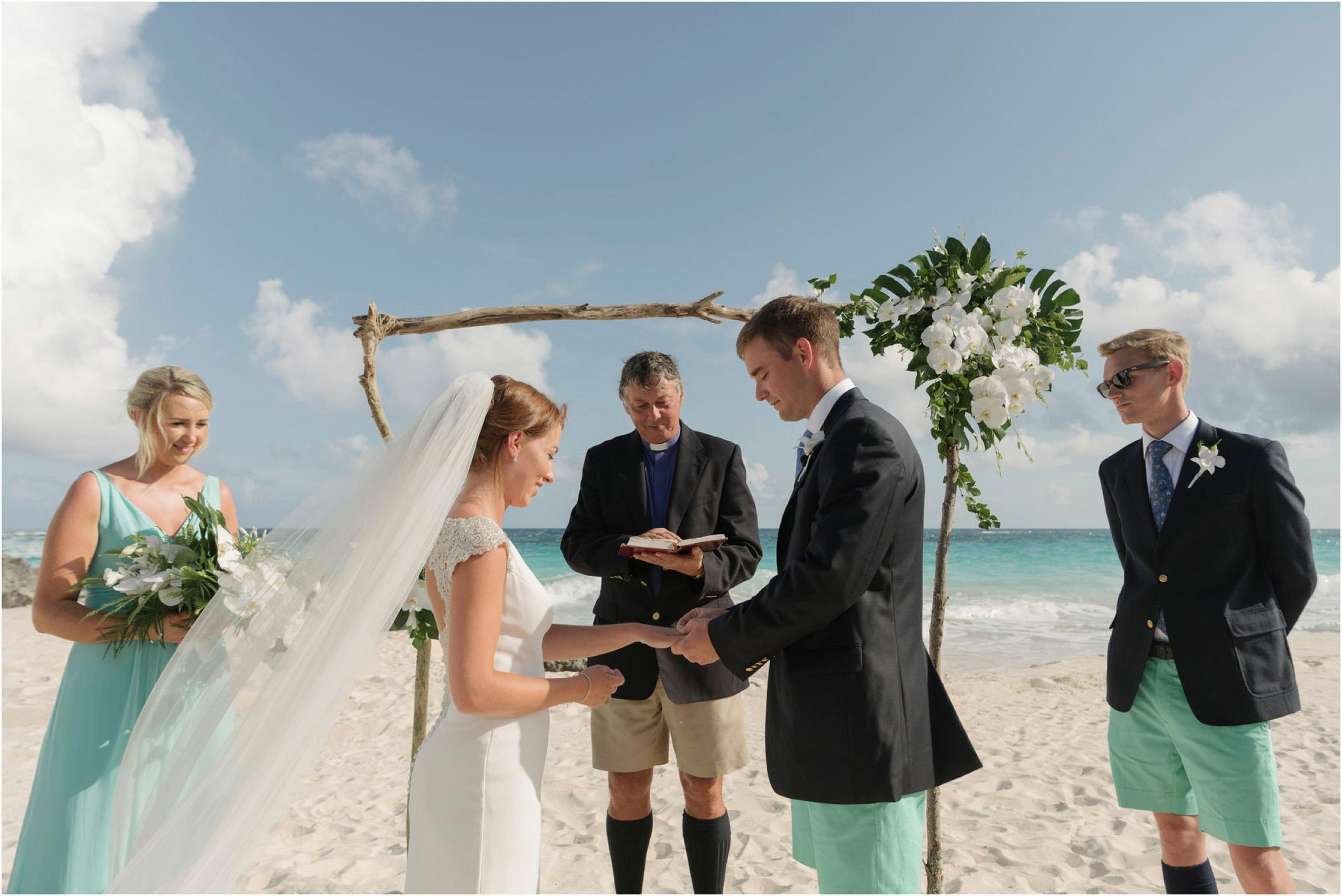 ©FianderFoto_Bermuda Wedding Photographer_Mid Ocean_Rachel_Angus_036.jpg