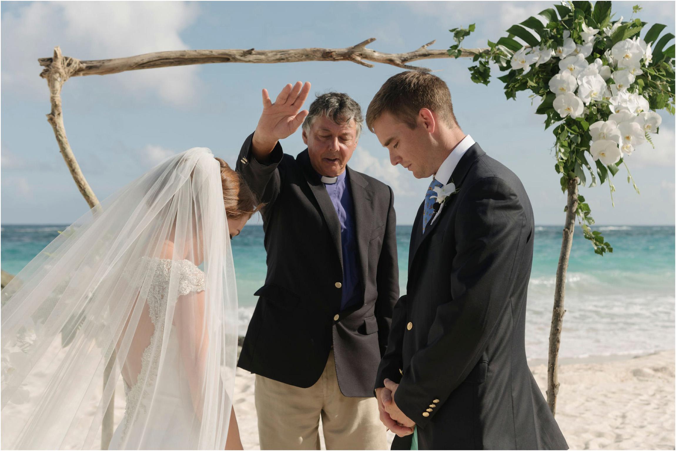 ©FianderFoto_Bermuda Wedding Photographer_Mid Ocean_Rachel_Angus_040.jpg
