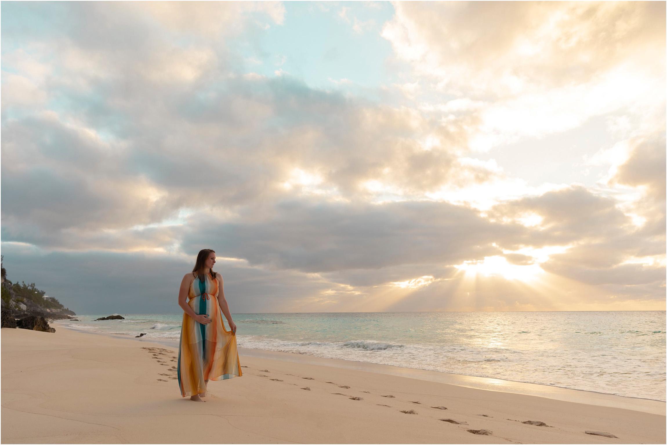©FianderFoto_Bermuda Maternity Photographer_Betsy_012.jpg