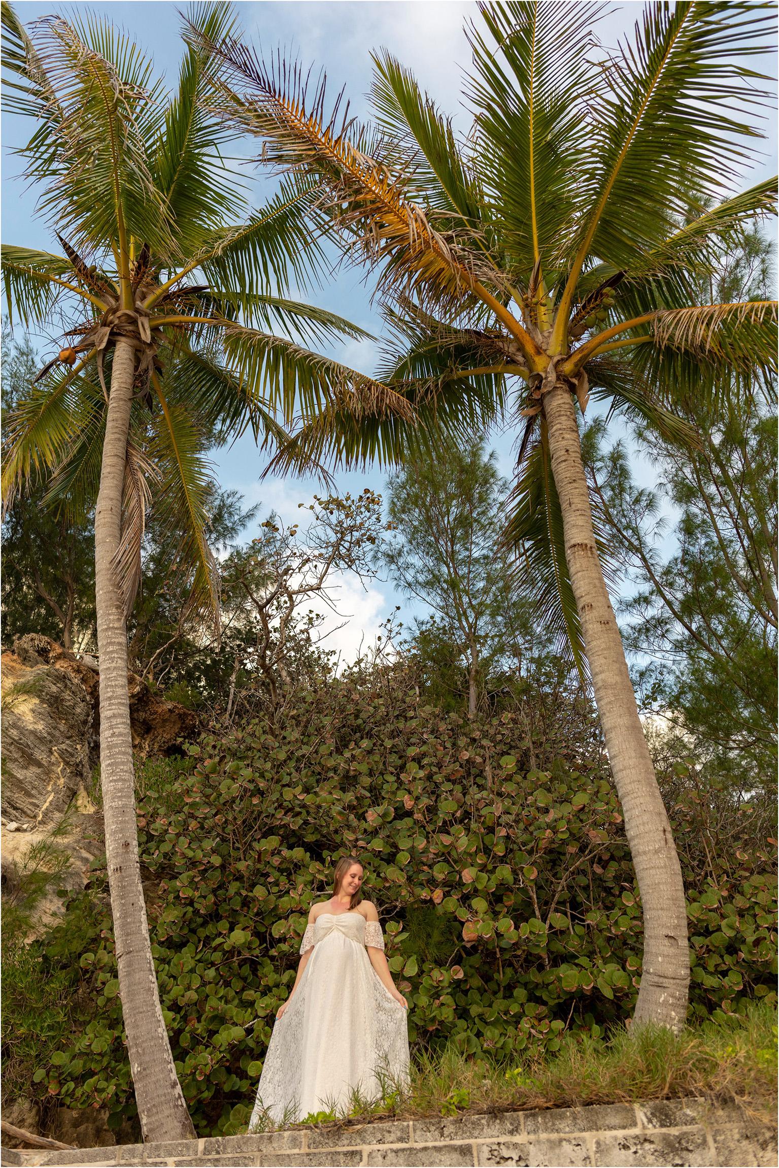©FianderFoto_Bermuda Maternity Photographer_Betsy_002.jpg