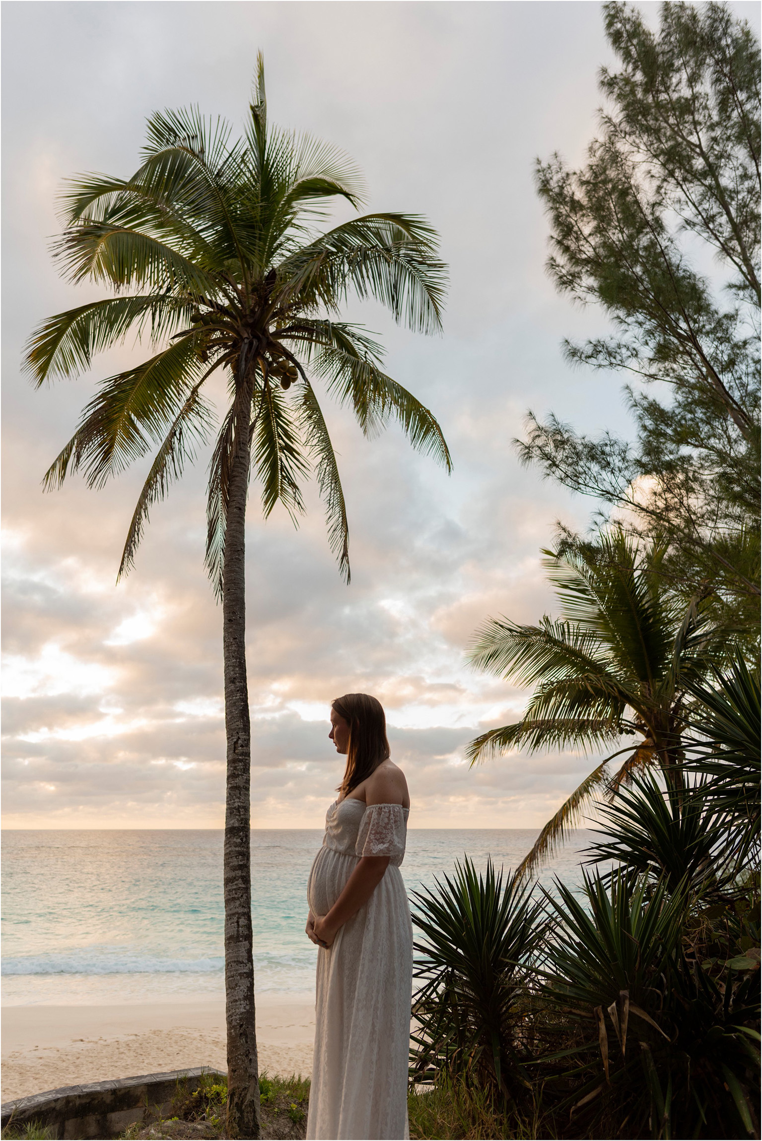 ©FianderFoto_Bermuda Maternity Photographer_Betsy_004.jpg