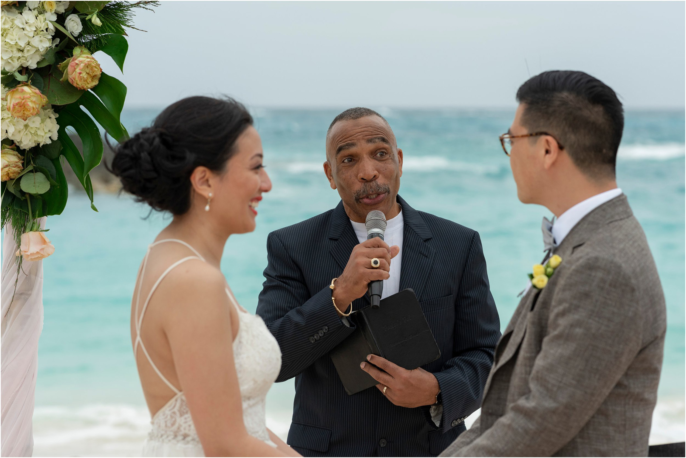 ©FianderFoto_Bermuda Wedding Photographer_Fairmont Southampton_Amy_Wilson_072.jpg