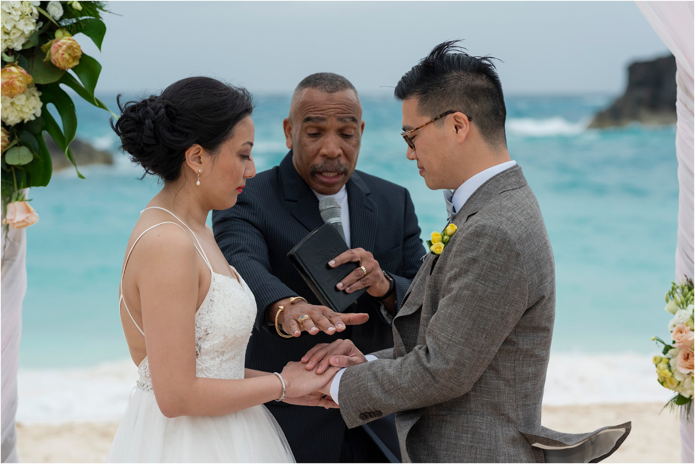 ©FianderFoto_Bermuda Wedding Photographer_Fairmont Southampton_Amy_Wilson_085.jpg