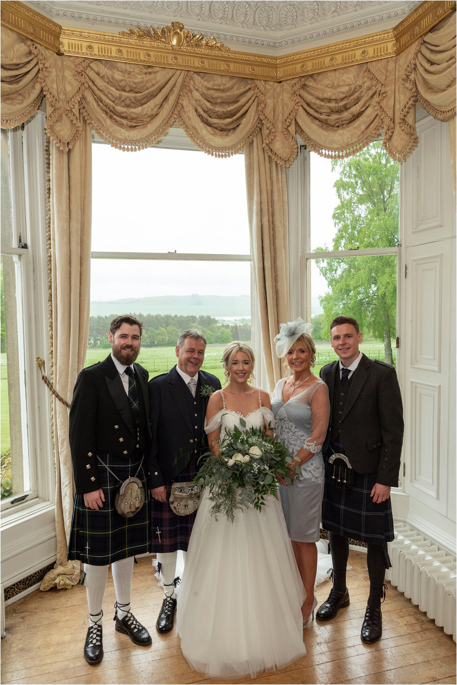 ©FianderFoto_Scotland Wedding Photographer_Errol Park Estate_Janine_Karl_097.jpg