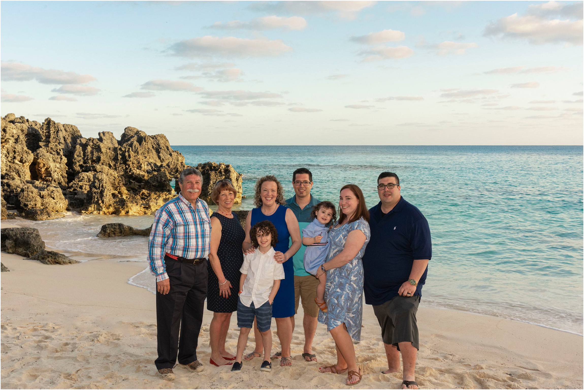 ©FianderFoto_Bermuda Photographer_Church Bay Park_Ashley_Family_008.jpg