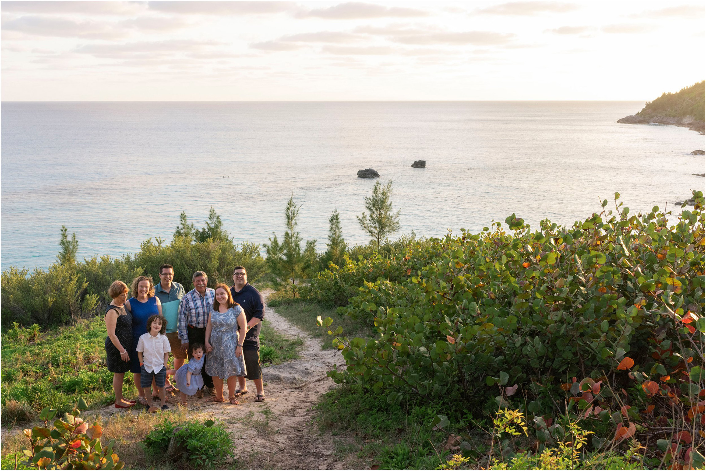 ©FianderFoto_Bermuda Photographer_Church Bay Park_Ashley_Family_012.jpg