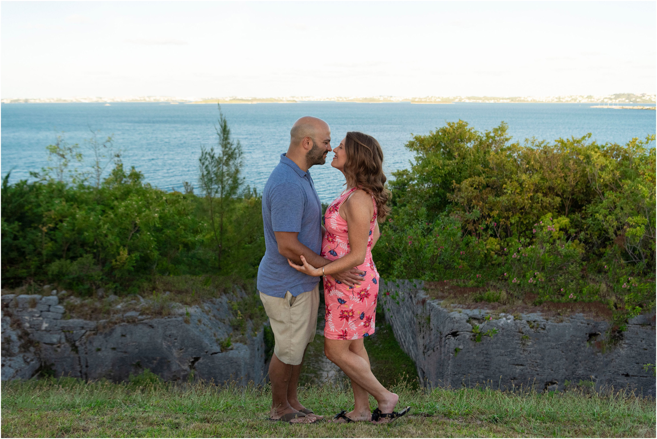 ©FianderFoto_Bermuda Maternity Photographer_Elys Harbour_Ft Scaur_Airbnb_Victoria_Mike_017.jpg