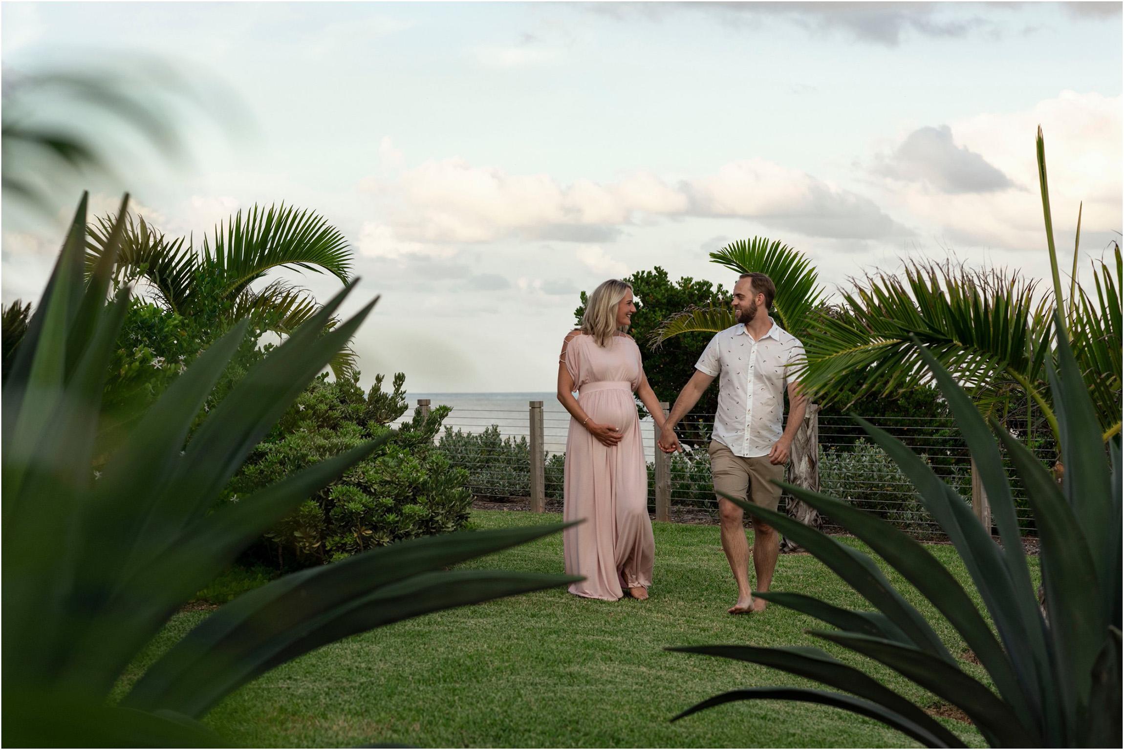 ©FianderFoto_Bermuda_Tom Moore's Jungle_Proposal Maternity Photographer_Erika_Andy_030.jpg