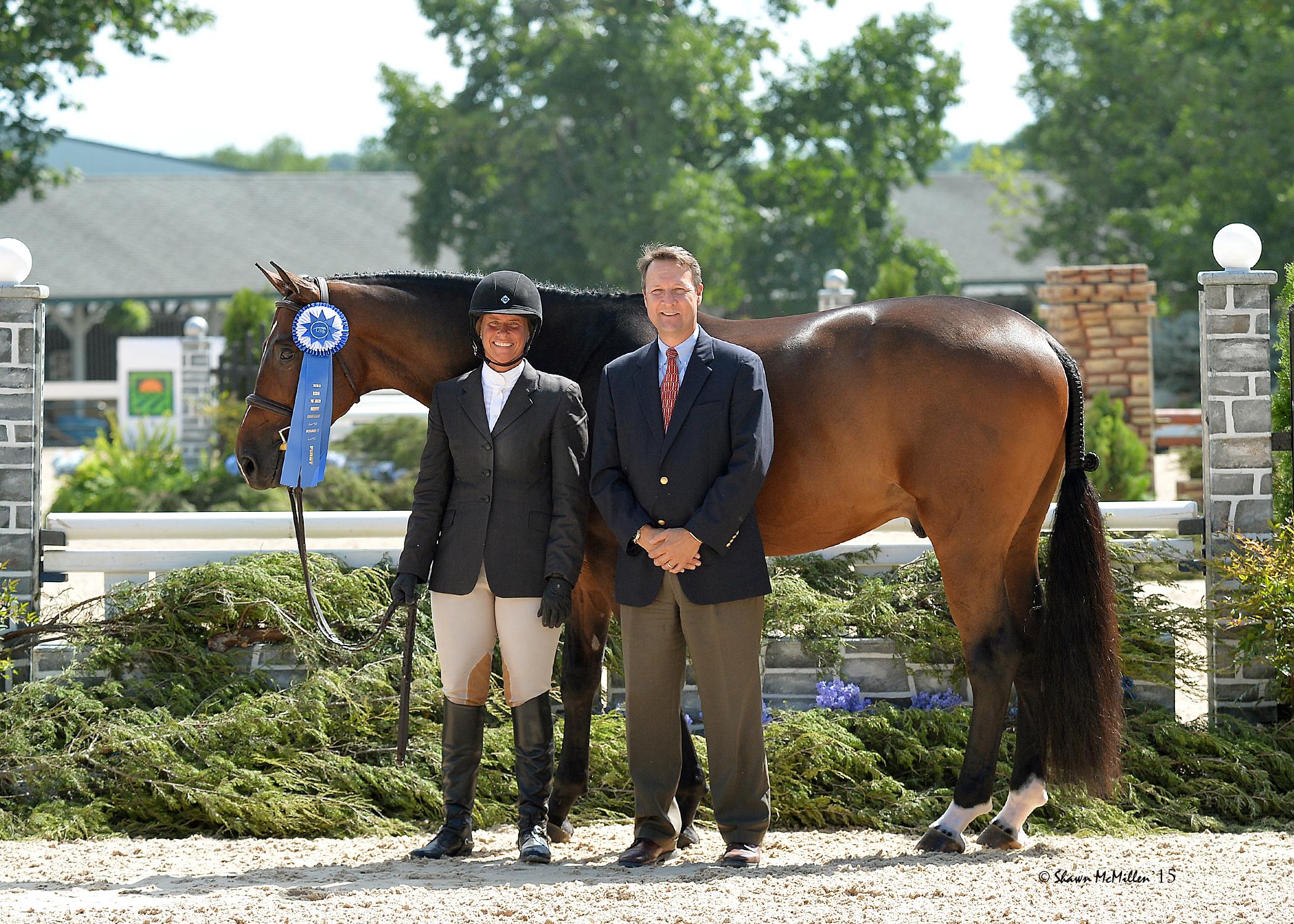 Jennifer Alfano and Castle with USHJA Executive Director Kevin Price