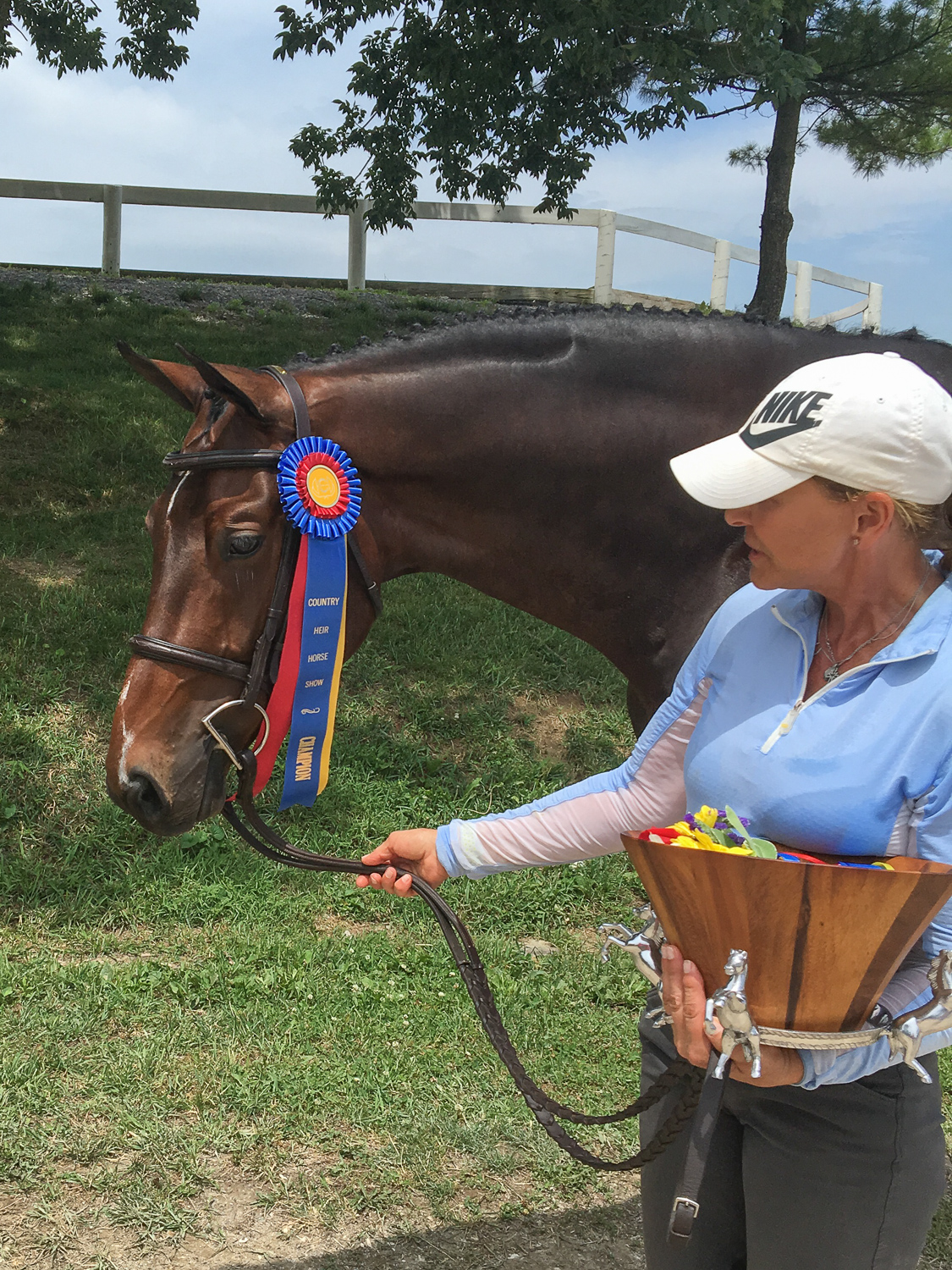 Kathy Chiaf and Kindred, the 3' Green Hunter champion at Country Heir II
