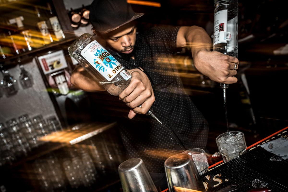 Quarter Bar Dallas 2017 Bartender 3.jpg