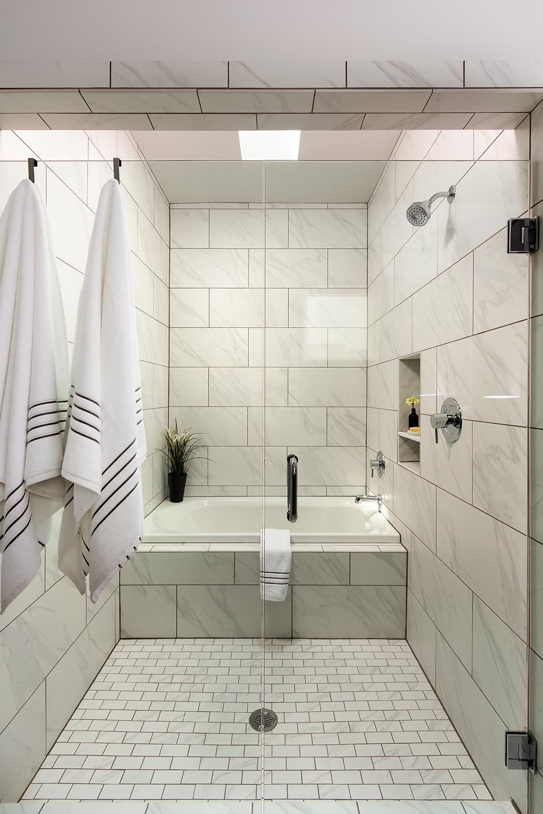 040 1307 Axis_Master Bathroom Shower.jpg