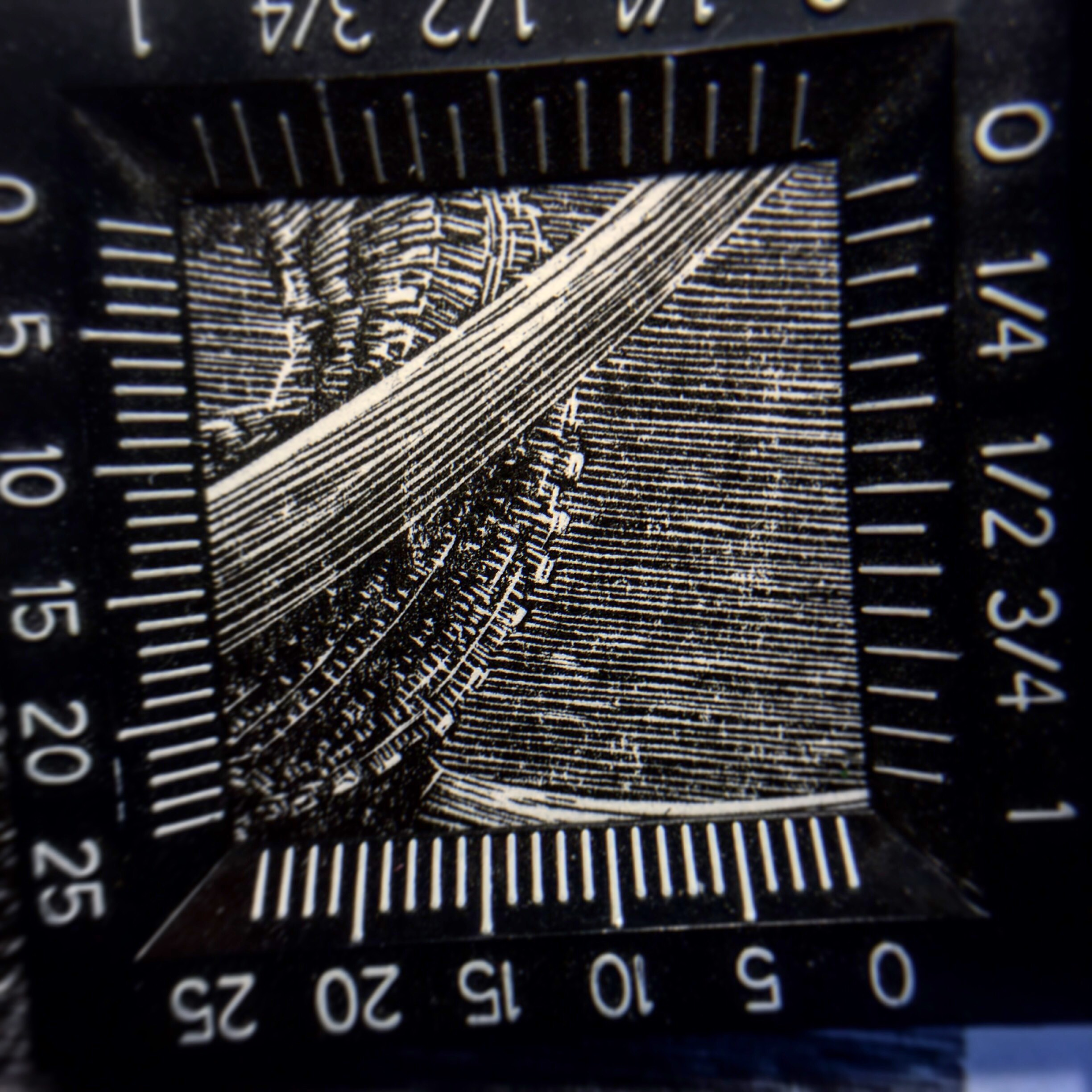 This shows a 1 inch x 1 inch section of the print magnified.