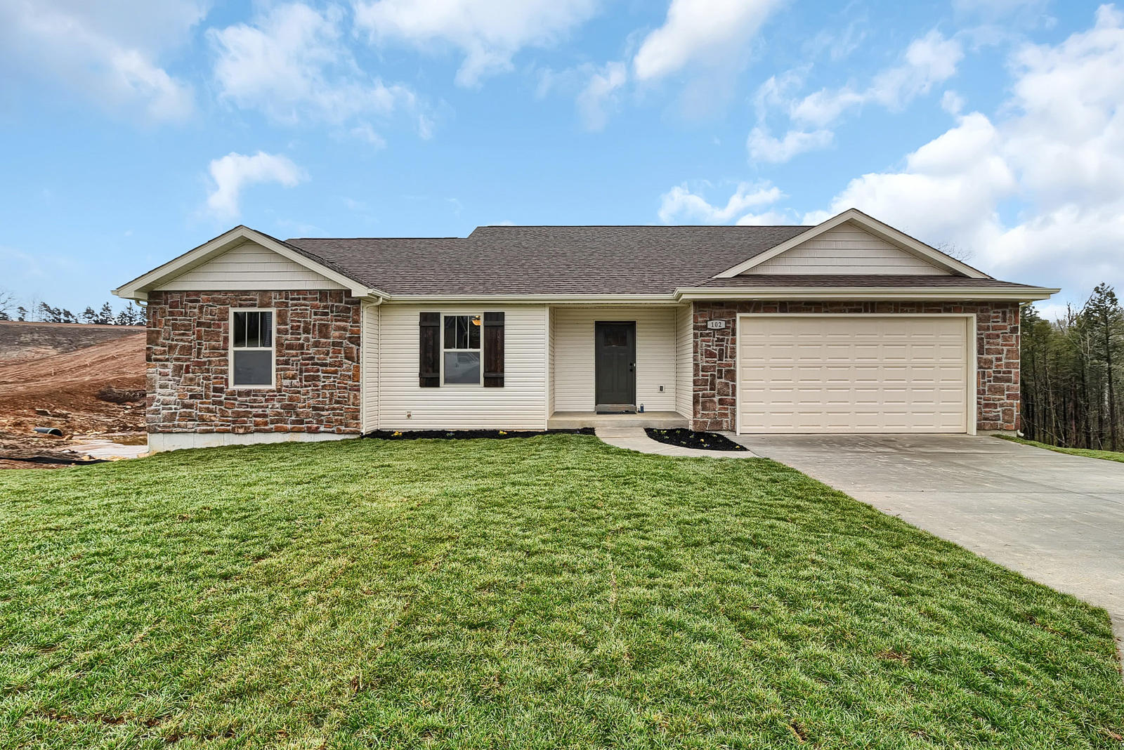 102 Baltic Union MO 63084 USA-001-3-Exterior Front-MLS_Size.jpg