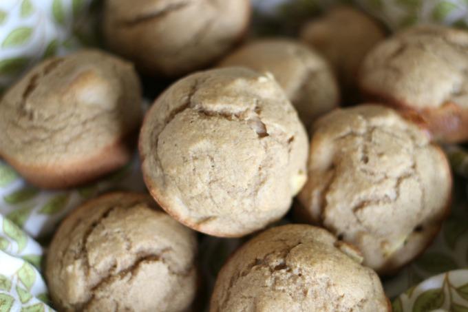 Apple Spice Muffins // Natasha Red Blog