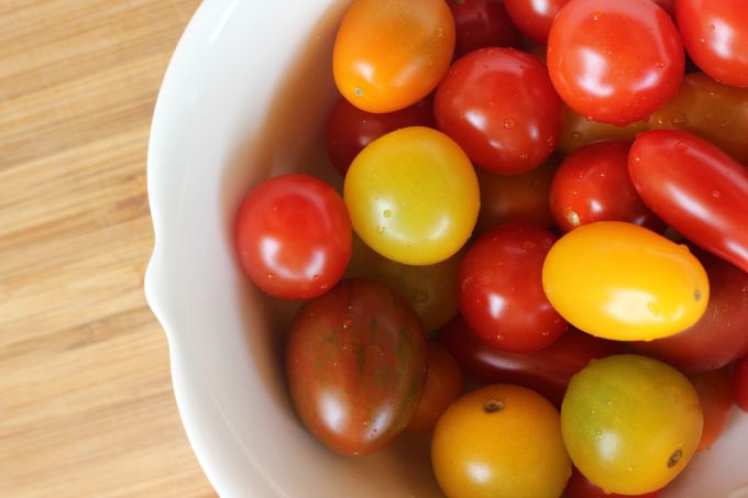 Delicious and simple heirloom tomato tart...the perfect summer dinner! // Natasha Red Blog
