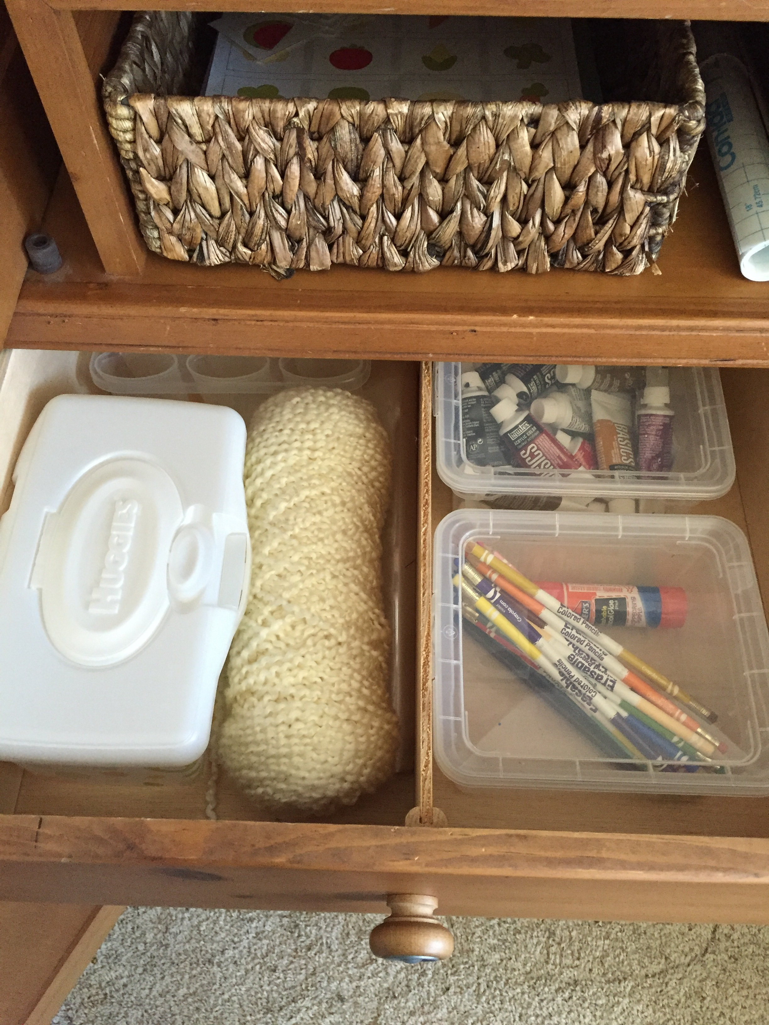 extra storage in the drawers!
