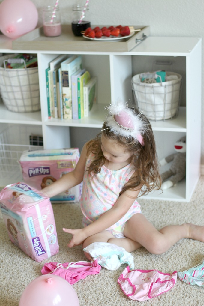 Encourage your daughter in potty training and throw your own Princess Potty Party!