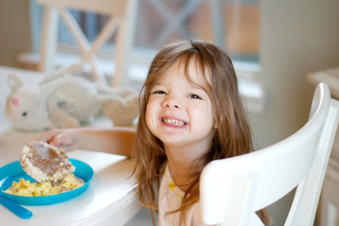 Kids Fuel for Busy Mornings - 5 Components to a Healthy Breakfast / Natasha Red