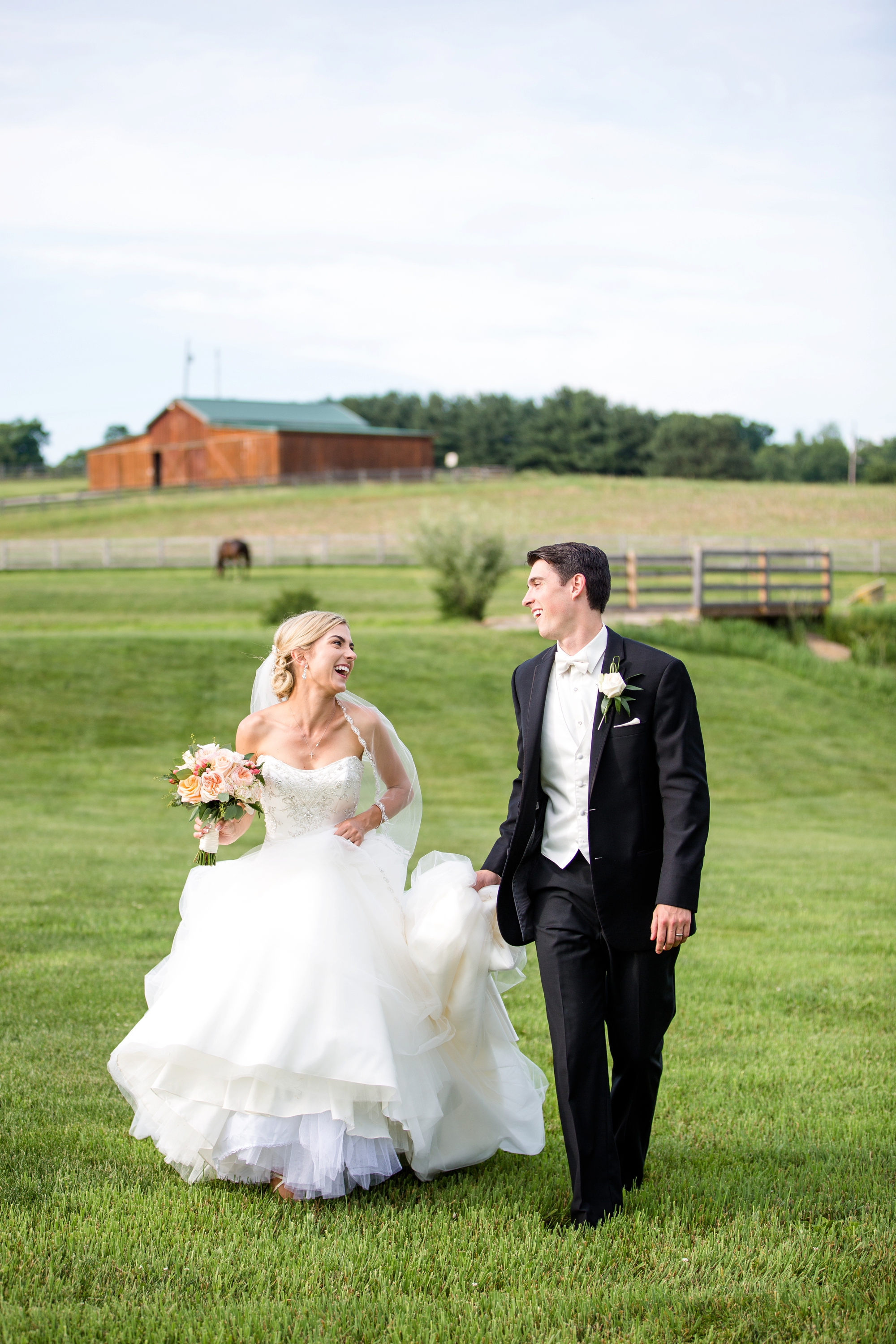 pittsburgh wedding venues, lingrow farm wedding pictures, lingrow farm wedding photos, barn wedding venues pittsburgh