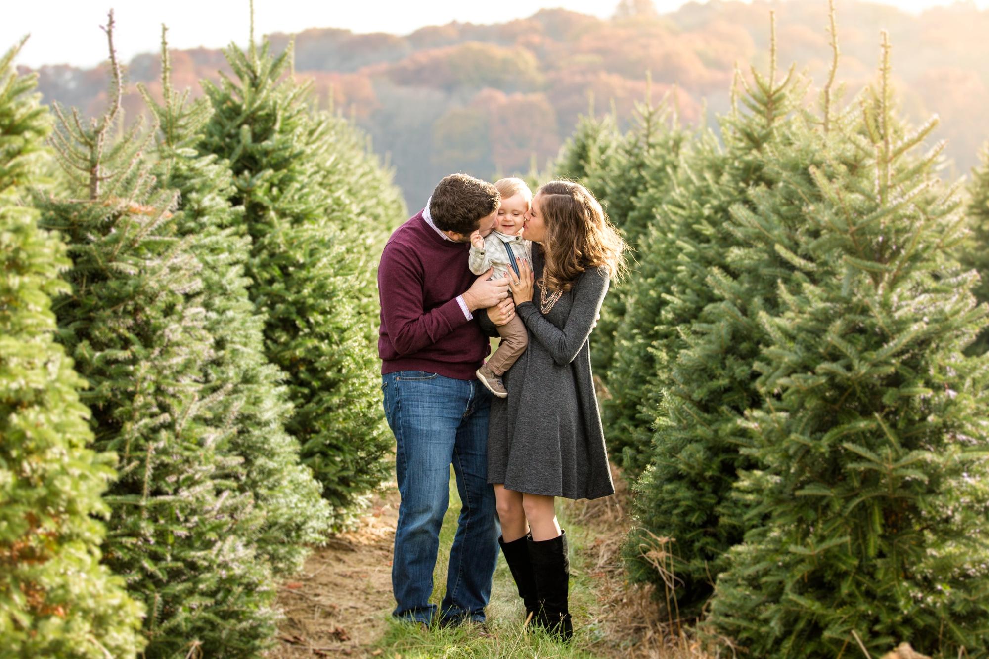 Christmas Tree Farm Family Photos.Jones Family Christmas Tree Farm Family Photos Jenna