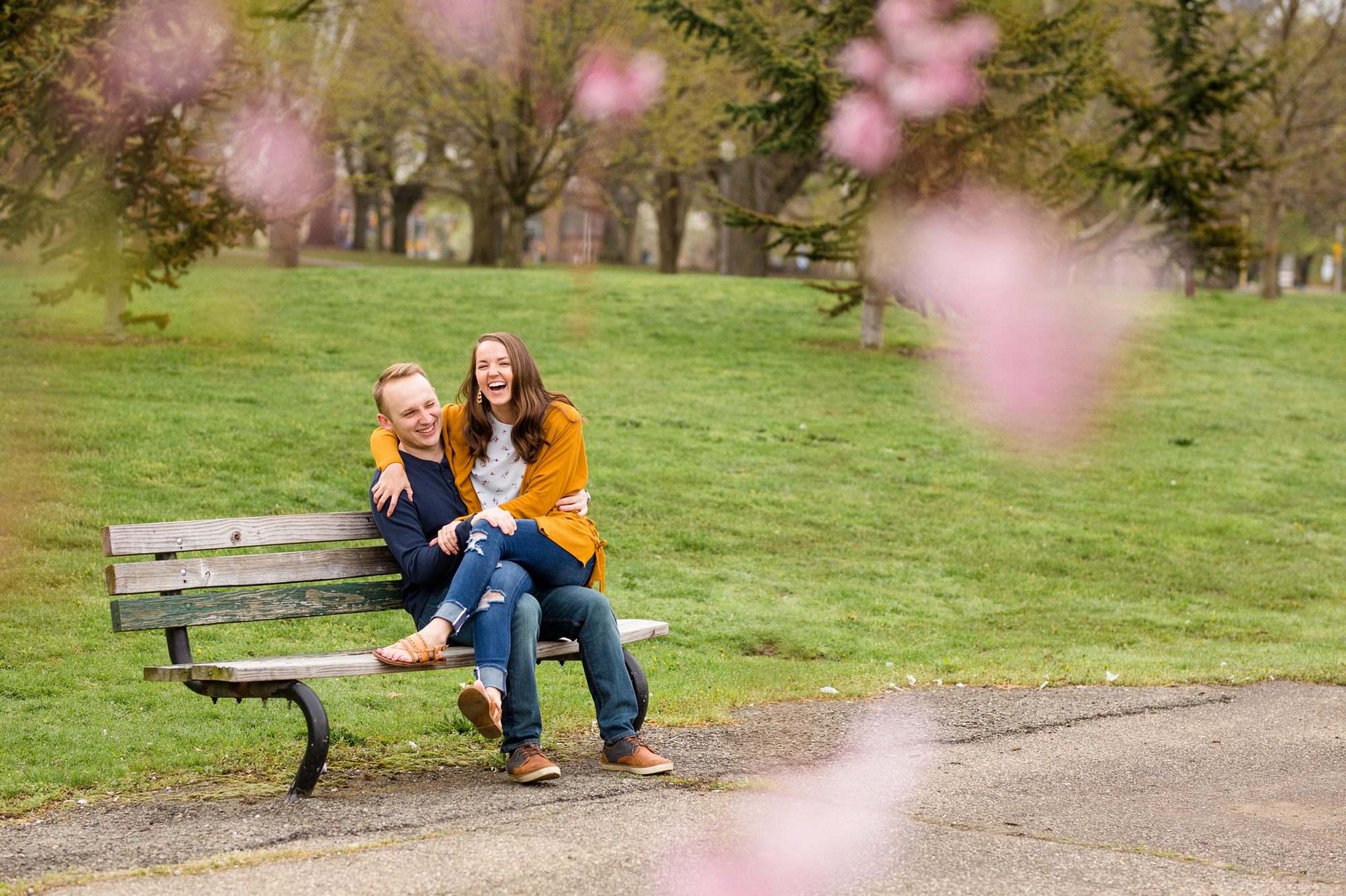 allegheny commons park engagement photos, north shore engagement photos, north side engagement photos, mexican war streets, spring pittsburgh engagement, pittsburgh wedding photos