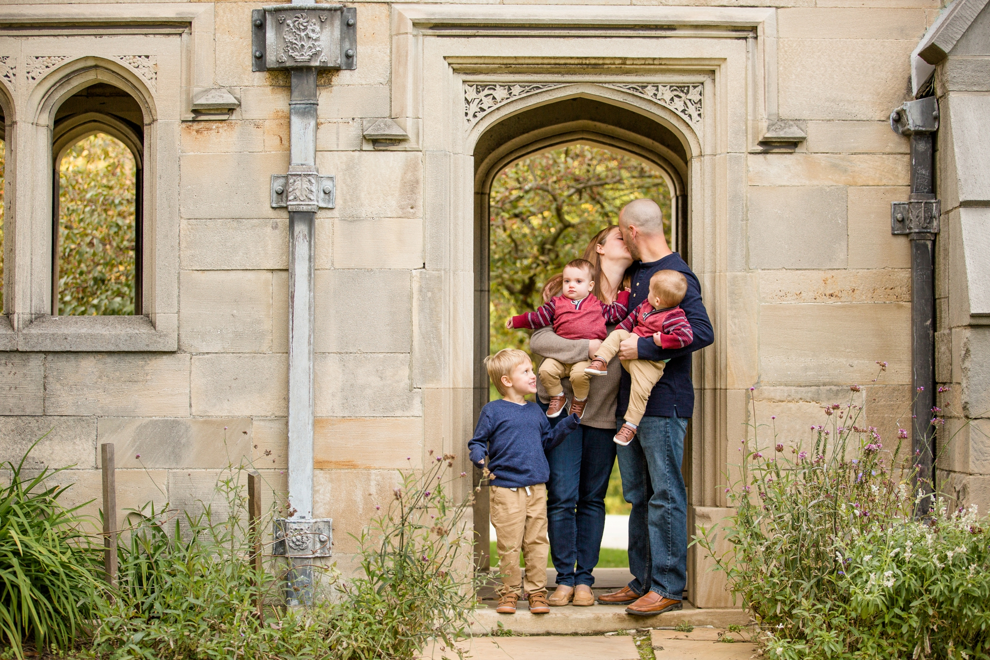 best places to take pictures in pittsburgh, cool places to take pictures in pittsburgh, hartwood acres mansion, pittsburgh family photographer, hartwood acres family photographer