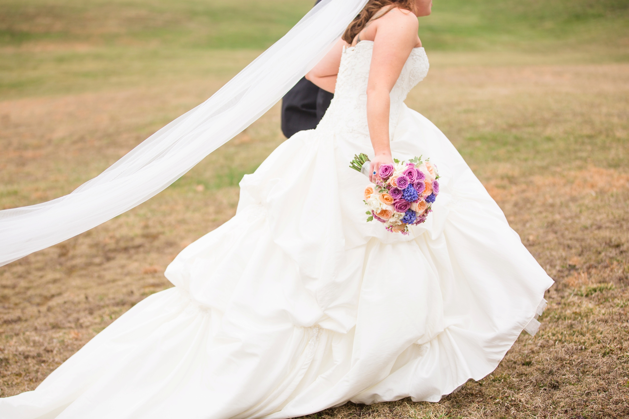 pittsburgh wedding photographer, pittsburgh wedding venues, pittsburgh wedding photos, white barn wedding photos