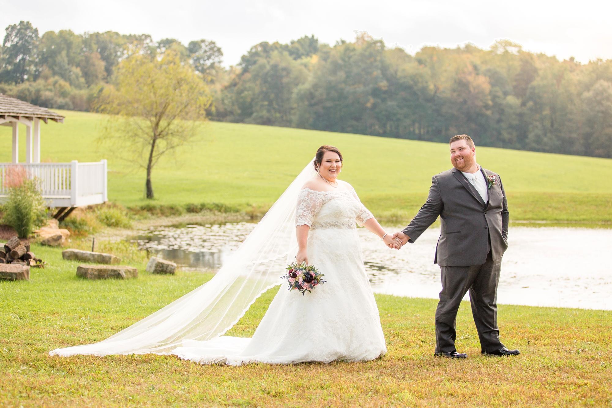 pittsburgh wedding photographer, pittsburgh wedding venues, pittsburgh wedding photos, renshaw family farms wedding photos, white barn wedding photos