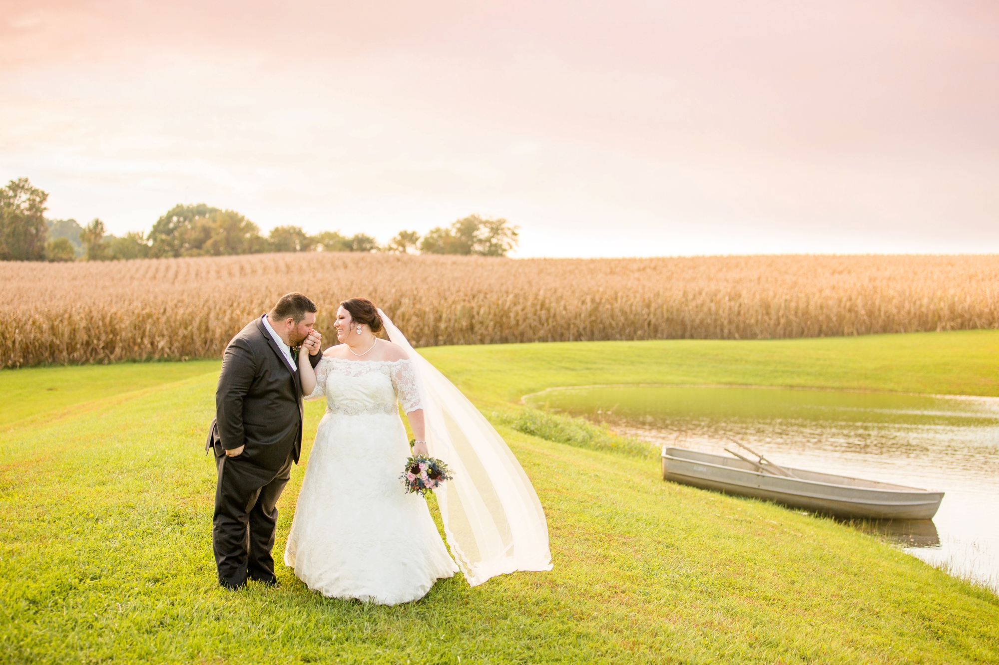 pittsburgh wedding photographer, pittsburgh wedding venues, pittsburgh wedding photos, white barn wedding photos propsect pa