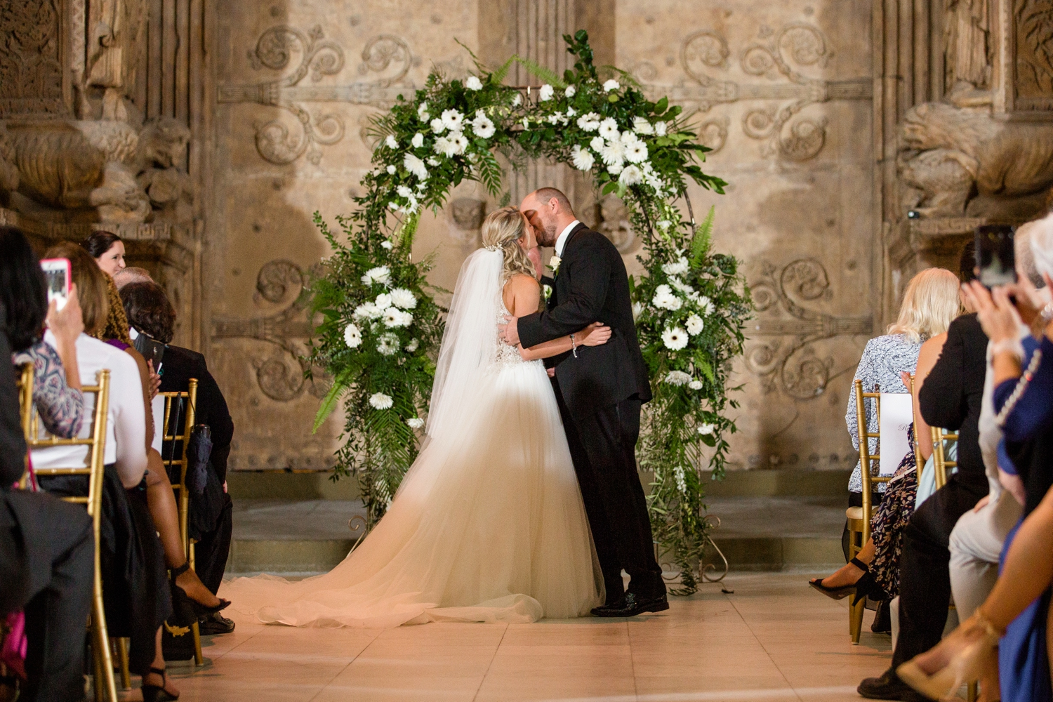 pittsburgh wedding photographer, carnegie museum of natural history wedding photos, carnegie museum wedding pictures, pittsburgh wedding venues, pittsburgh wedding photos