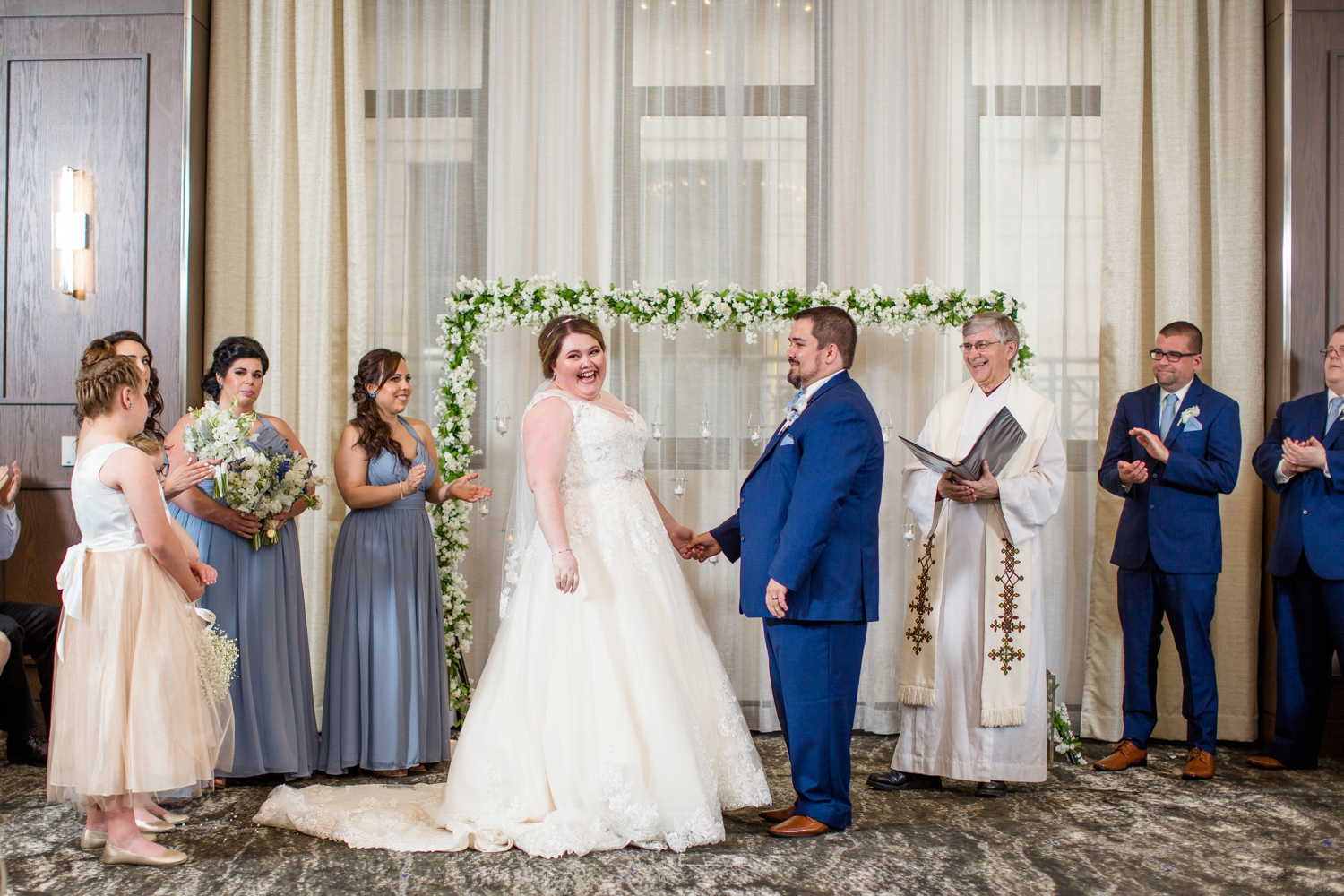 embassy suites downtown pittsburgh wedding photos, downtown pittsburgh wedding pictures, pittsburgh wedding photographer, pittsburgh engagement photographer, blue wedding inspiration