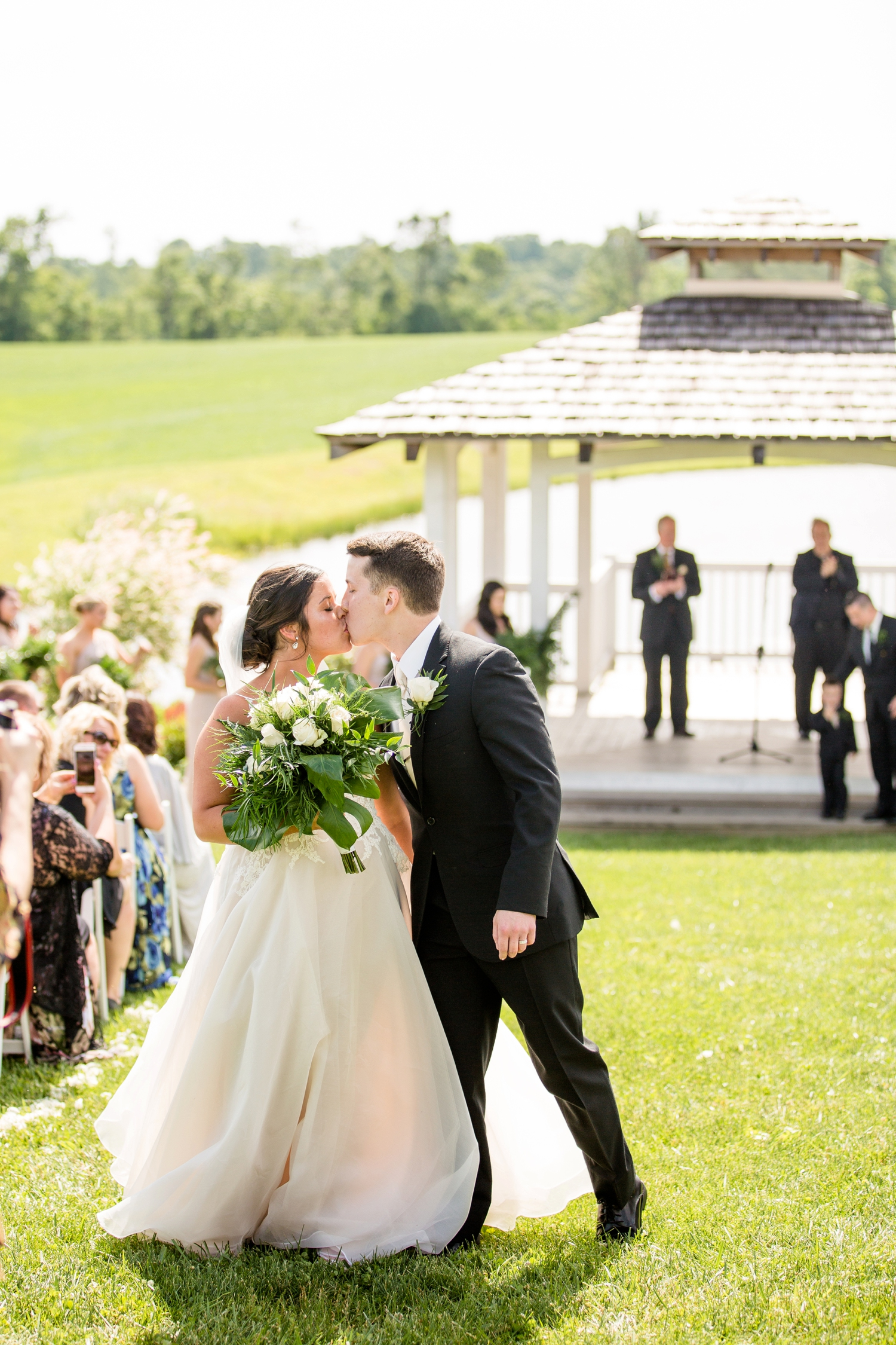 white barn wedding photos, white barn prospect pa wedding pictures, pittsburgh wedding photographer, tropical wedding inspiration