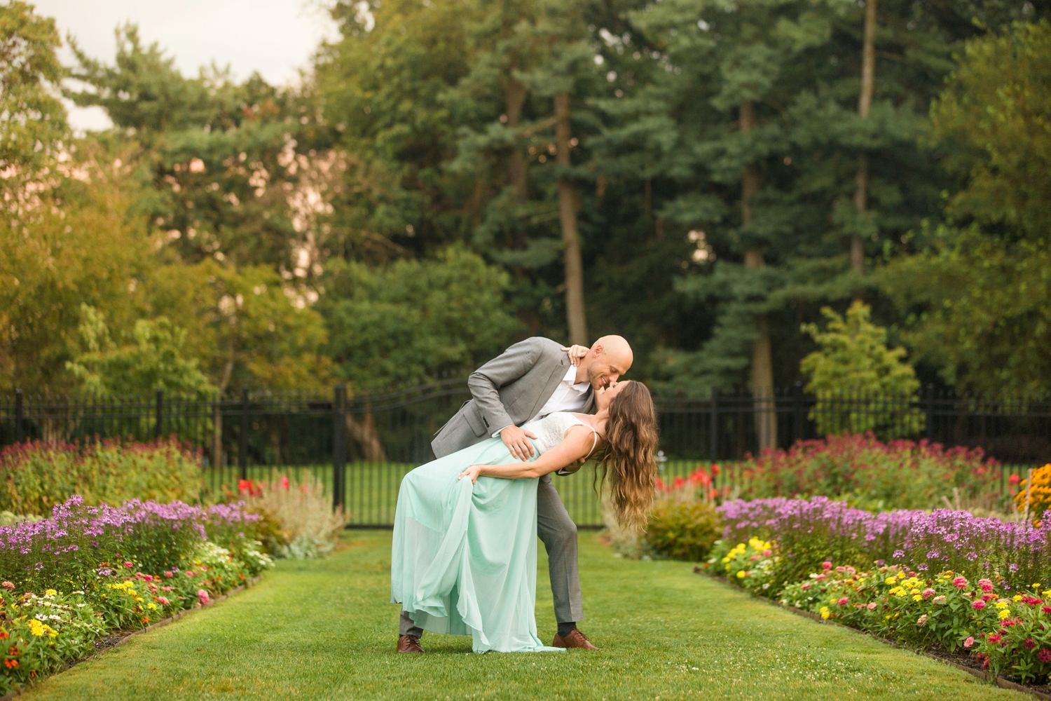 hartwood acres engagement photos, pittsburgh wedding photographer, pittsburgh engagement photographer