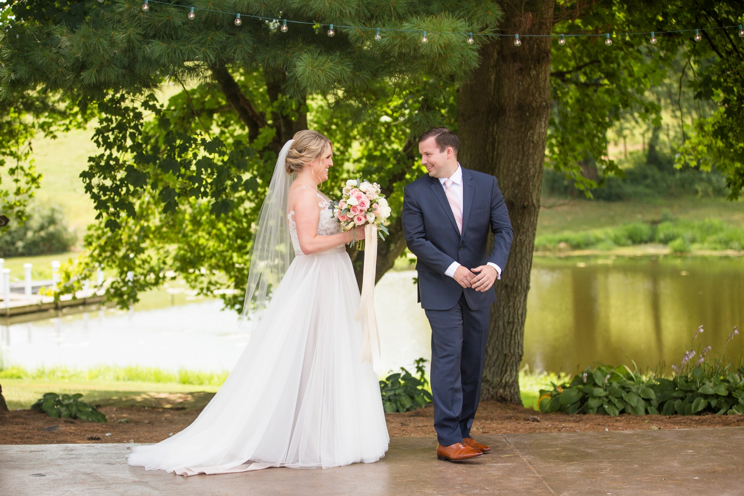 shady elms farm wedding photos, pittsburgh farm wedding venues, pittsburgh wedding photographer, pittsburgh engagement photographer