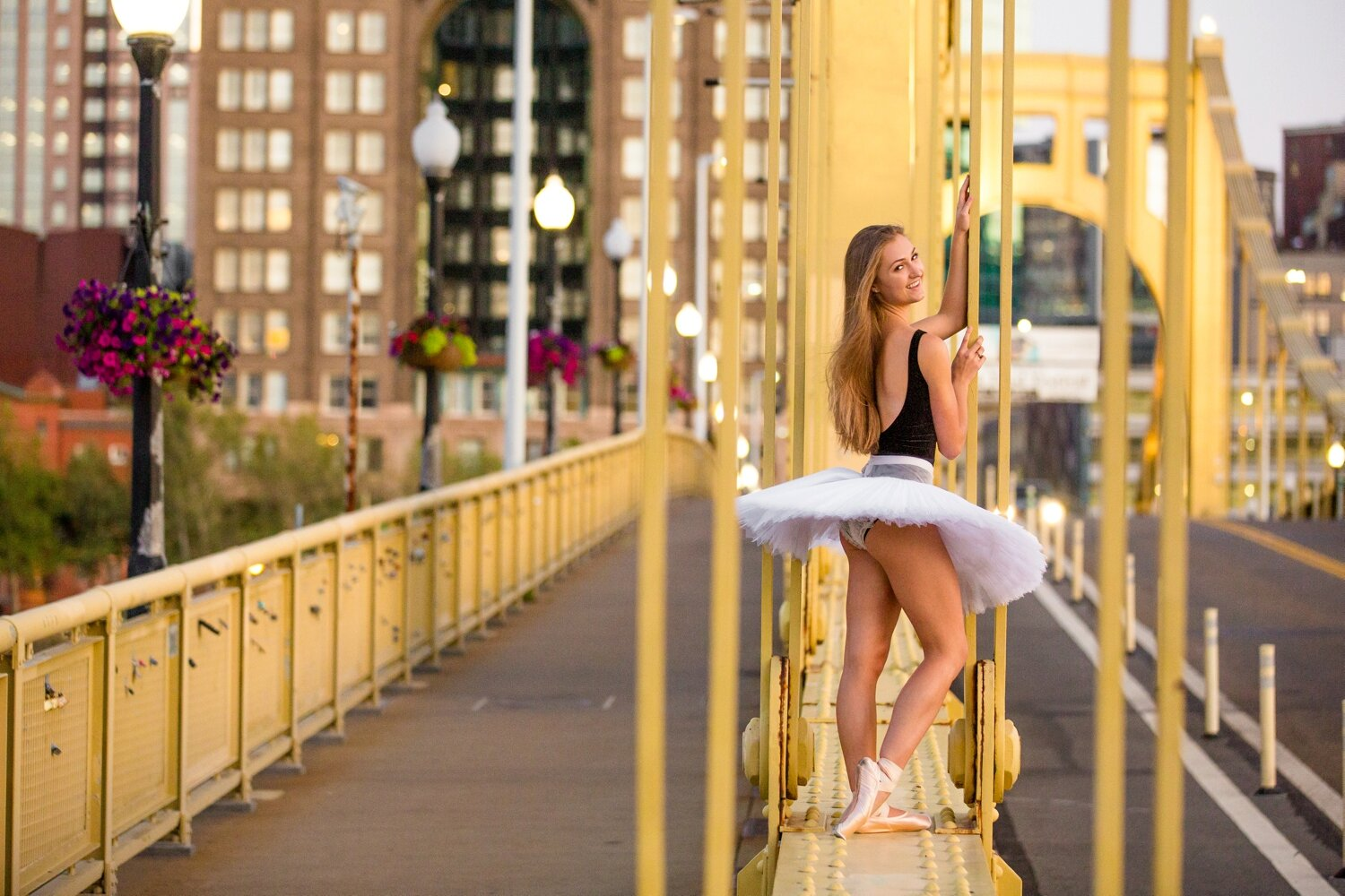 pittsburgh senior photographer, dowtown pittsburgh senior photos, ballerina senior photos, locations in pittsburgh for senior photos