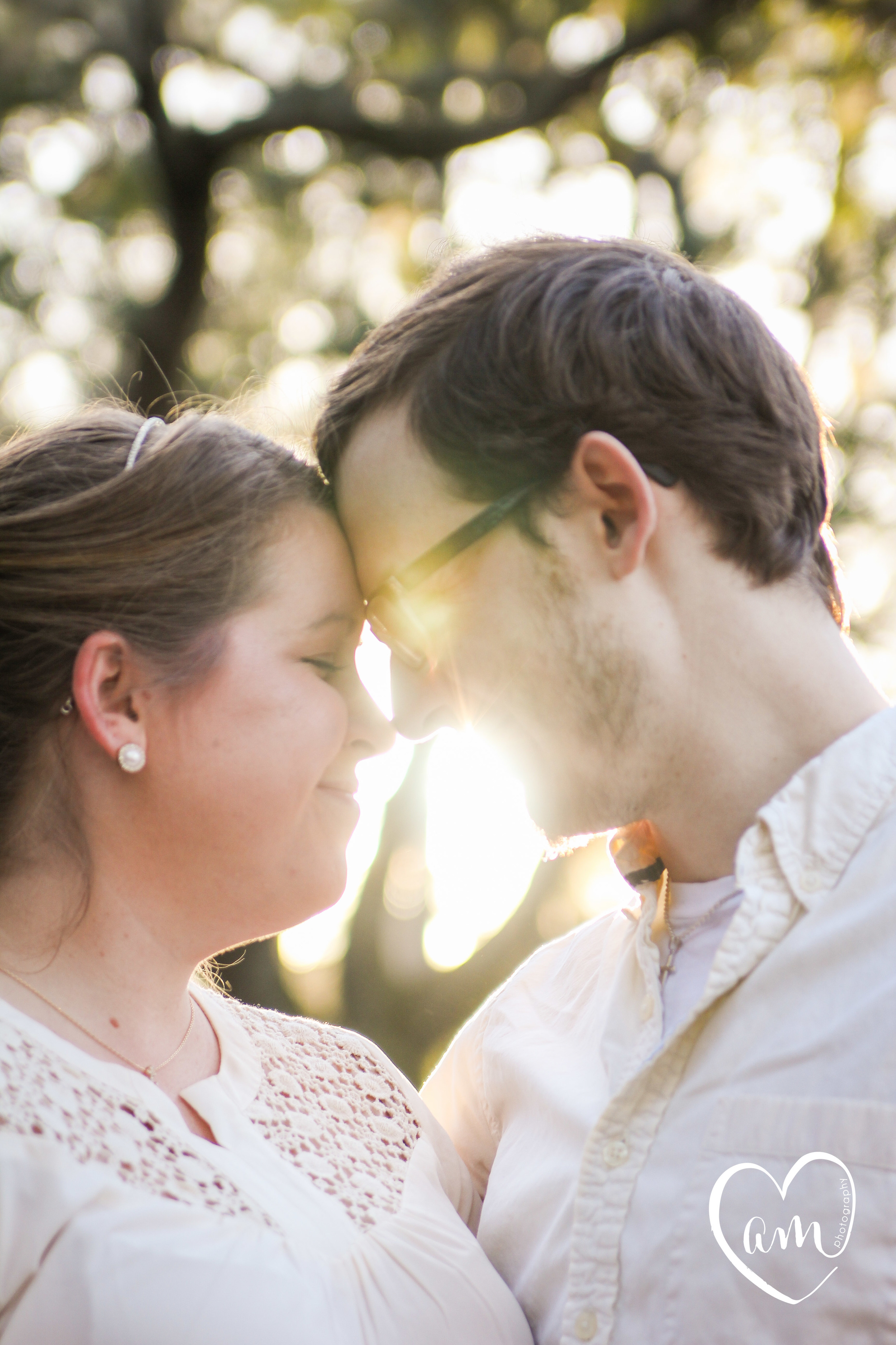 Beautiful and whimsical engagement photography session at Shingle Creek Park