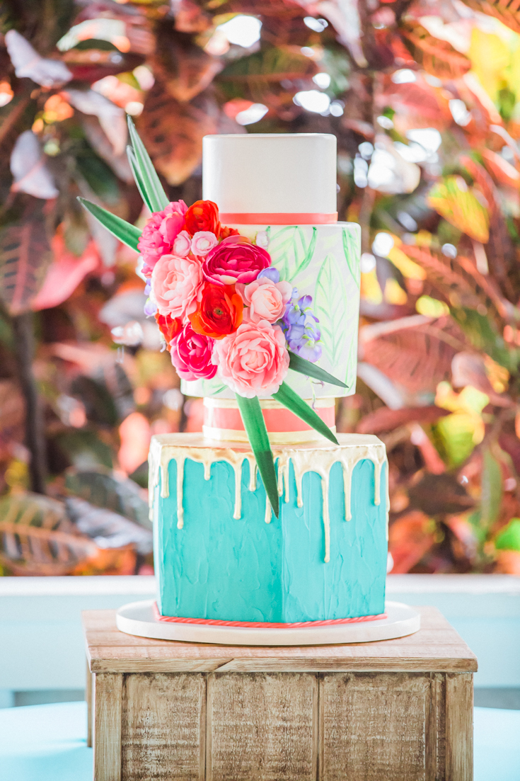 Tropical wedding cake photo by Flora Bloom Photography: Luxury Orlando Wedding Photographer