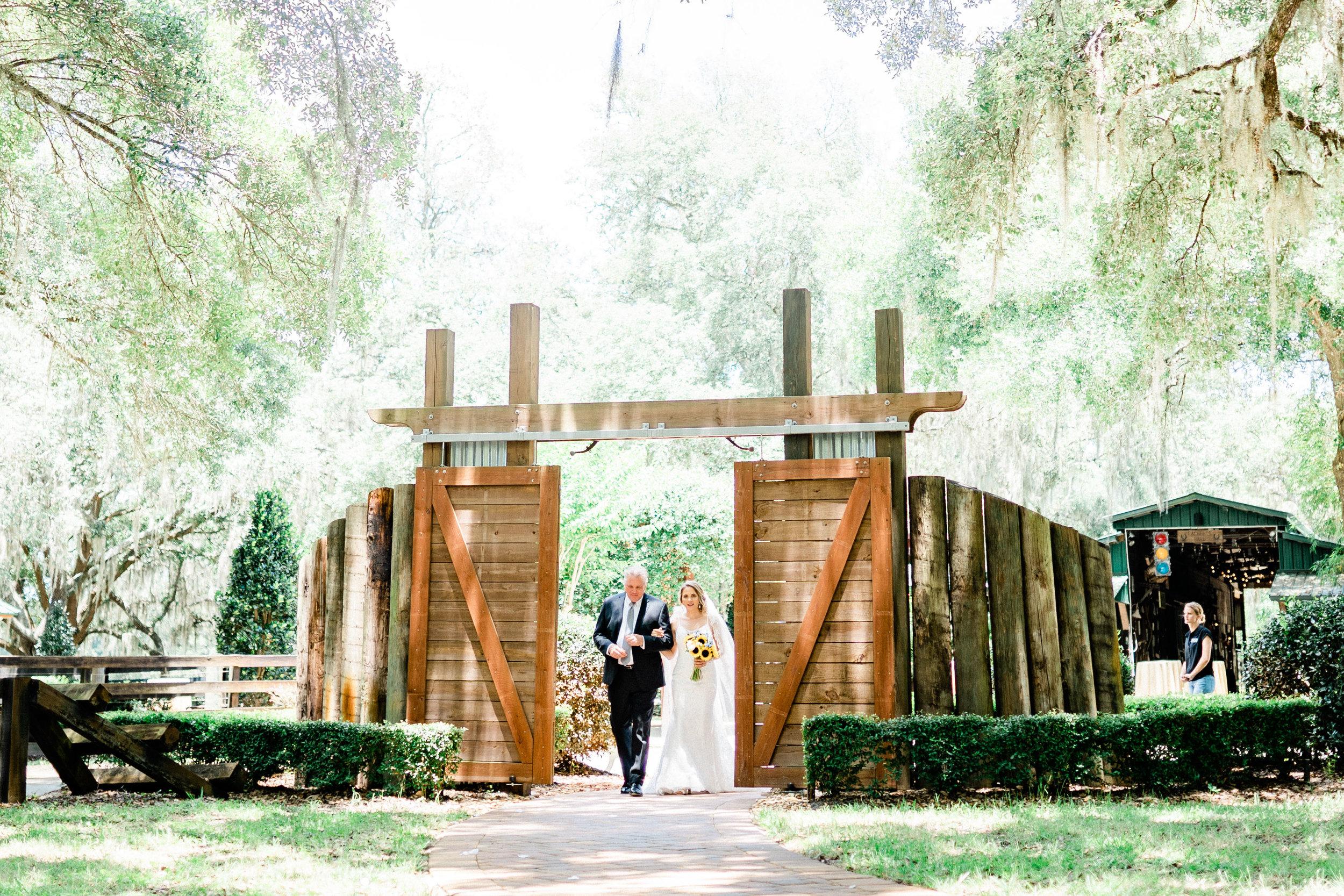 Club Lake Plantation Wedding-24.jpg