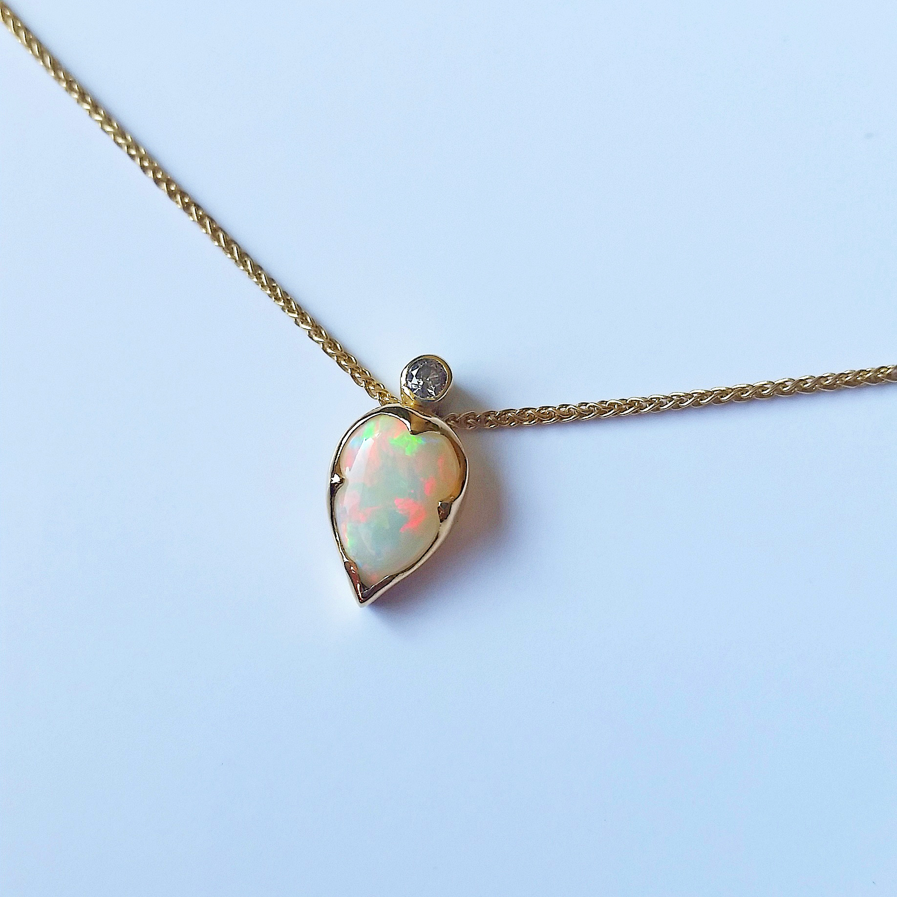 18ct yellow gold, opal and champagne diamond necklace