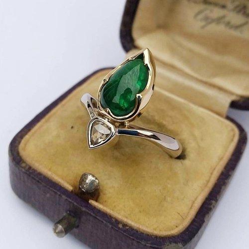 Emerald+and+Diamond+Custom+Ring.jpg